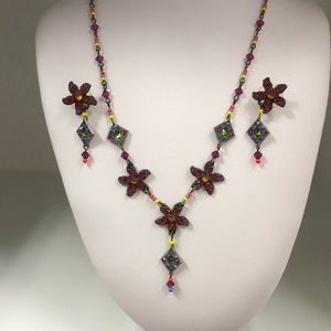 Jewelry - Rainbow colorBeaded & Jeweled Flower Necklace $14